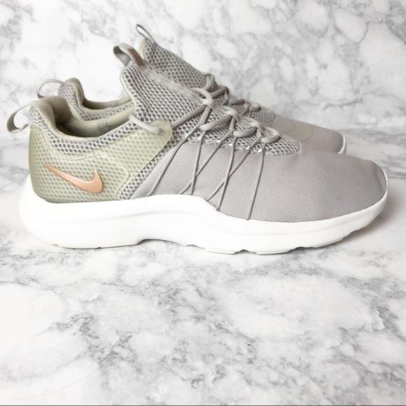 Nike Darwin Athletic Running Sneakers